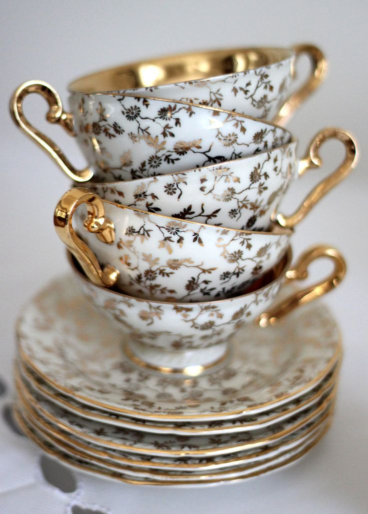 Home decor objects vintage karlsbader bavaria tea set for Decorative objects for home