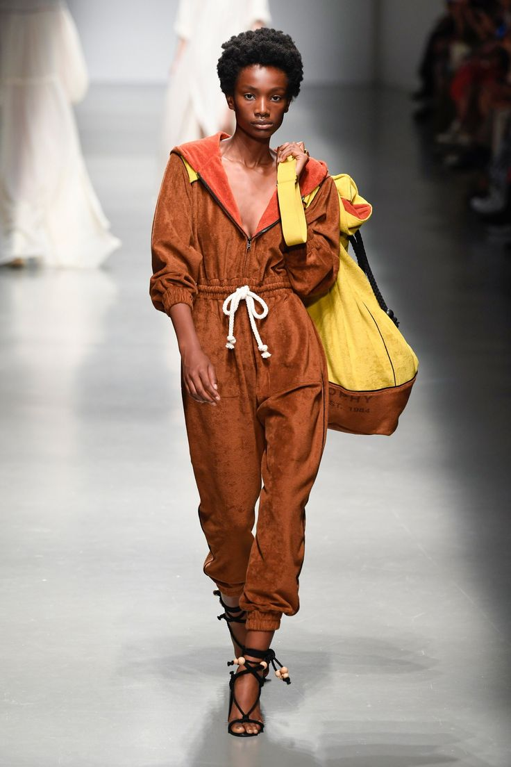 52e07754e4 Philosophy di Lorenzo Serafini Spring 2019 Ready-to-Wear Collection – Vogue