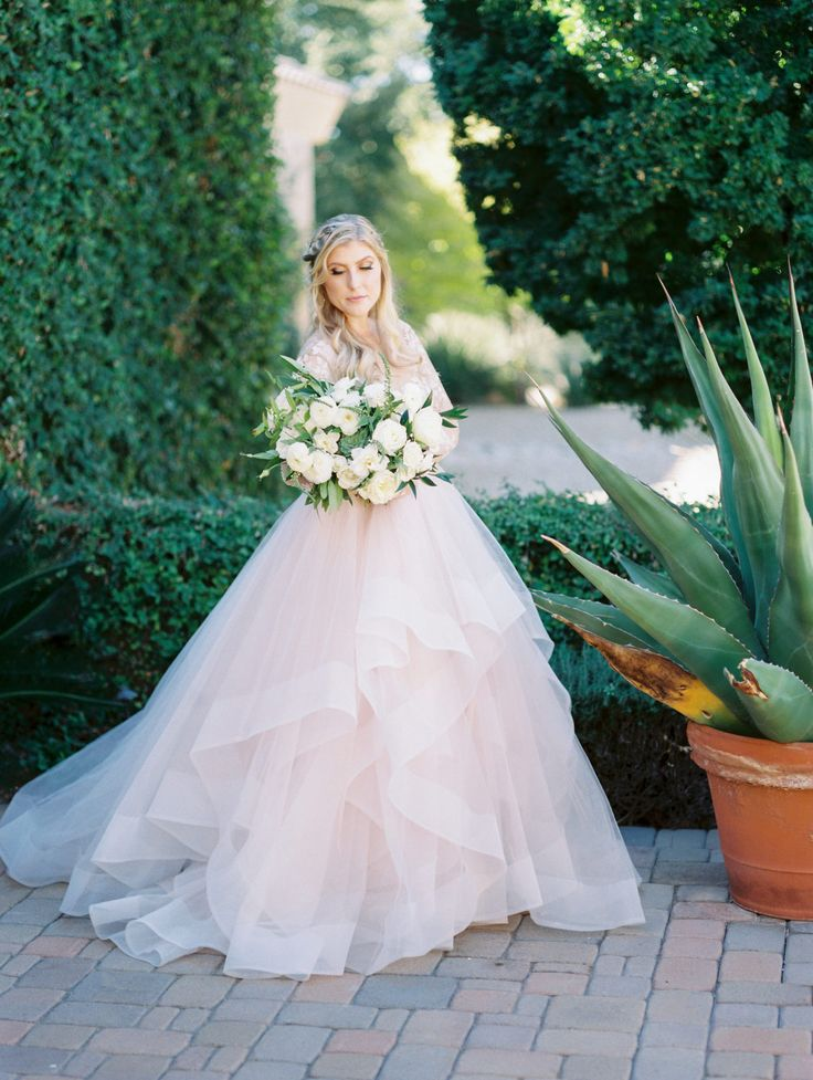 Wedding Dress Ideas : Elegant Garden Wedding with an All White ...